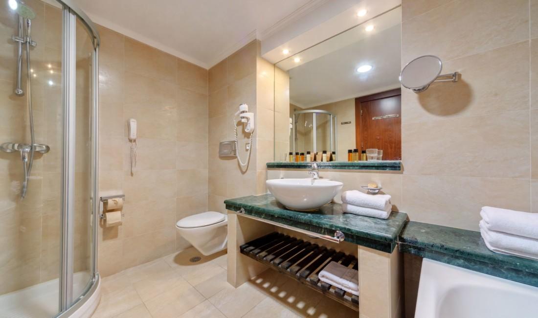 _room bathroom _resized